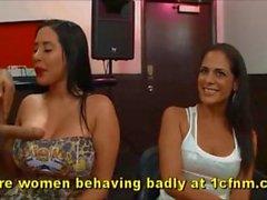 betrunken frauen mit männlichen stripper