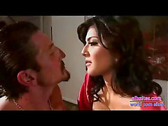 Sunny leone fuck with tommy gunn