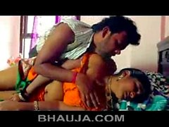Tamil Aunty Seduced and got naked by beger hot romance - bhauja