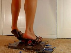 Giantess Stacy flattens a metal car like a coke can! Sexy sandals and toes!