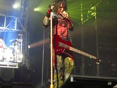 nikki sixx breaks it down for the crowd. greenville, s.c.