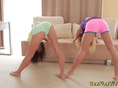 flexible skinny contortionists