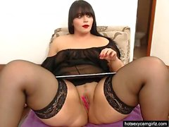 Horny Chubby Mature Plays With Her Pussy On
