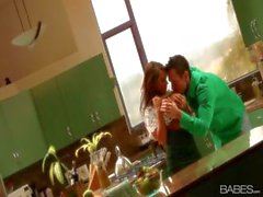 Luxurious gentlewoman with a honeyed pickle jar, Madison Ivy, does her man in the kitchen