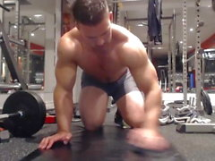 Straight Muscle Guy on webcam