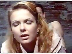 Pelicula italianas porno 1990 Miles De Peliculas Porno Clasicas Por Distinguido Lxax