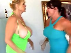 Heavy Matures Catfight