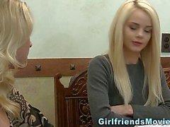 Teen Blondine Masturbieren Flasche