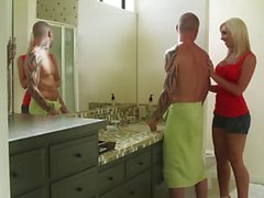 Jessica Lynn: In bathroom