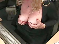 43 years Kinky Mom Silvia plays for cam
