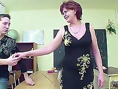 Sex Teacher Show Young Man How to Get Pregnant in Lesson