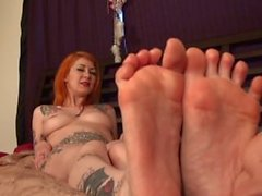 KELLI WORSHIPS AND TICKLE LICKLE'S STORMS SEXY FEET storm is nude