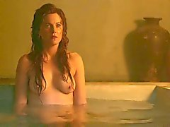 Spartacus: Lucy Lawless e Viva Bianca em topless