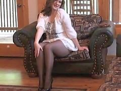 Sexy MILF getting off in seamless pantyhose