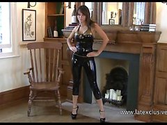 Brunette latex babe Jerrys high heels