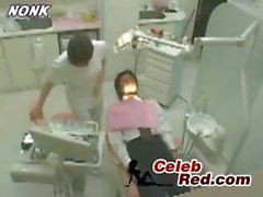 Japanese Dentist Nurse Gives Handjob To Patient