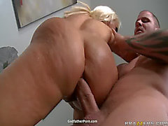 Holly Halston y Kelly Divine temible amenazante Sexy Ass Oil Party3