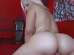Rock chick with a big ass shaking part1